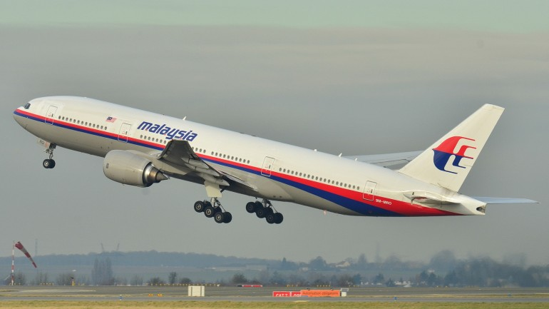 Could This Be The Answer To Mystery of The Plane MH370 That Disappeared Over a Year Ago?