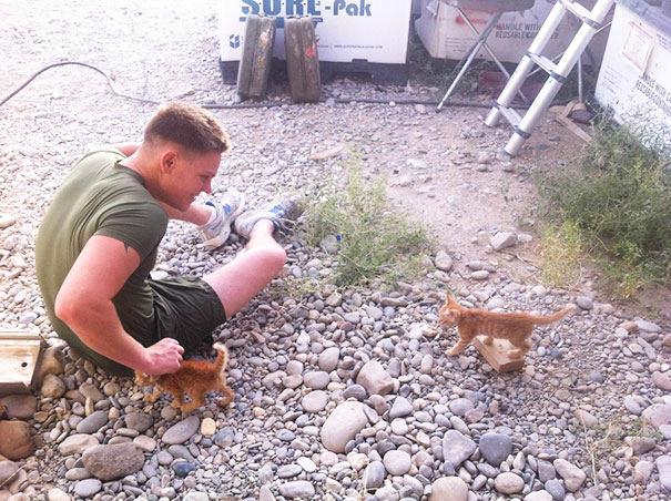 soldier-with-pet-9__605