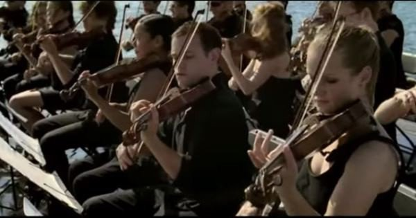 Orchestral Musicians Bring Whales To Surface – This Will Take Your Breath Away‏