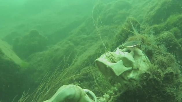 Skeletons-Found-In-A-River3