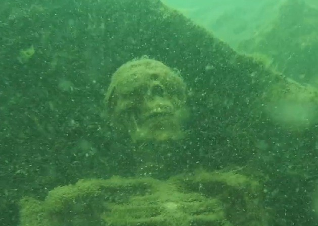 Skeletons-Found-In-A-River4