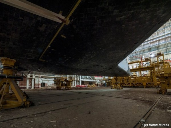 Man Noticed This Abandoned Hangar. But What's Inside Caught Him By Surprise (18)