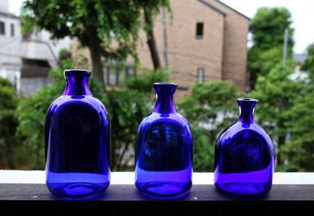 A Recipe For Blue Solar Water: A Powerful Drink That Cures Emotional Pain
