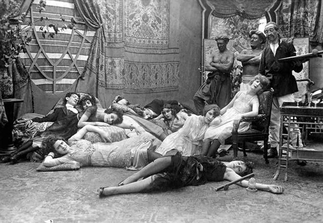 opium party