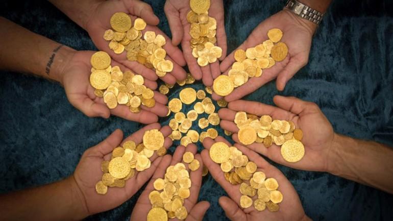 Florida Divers Find $4.5mn in Gold Coins From Sunken 18th Century Spanish Fleet