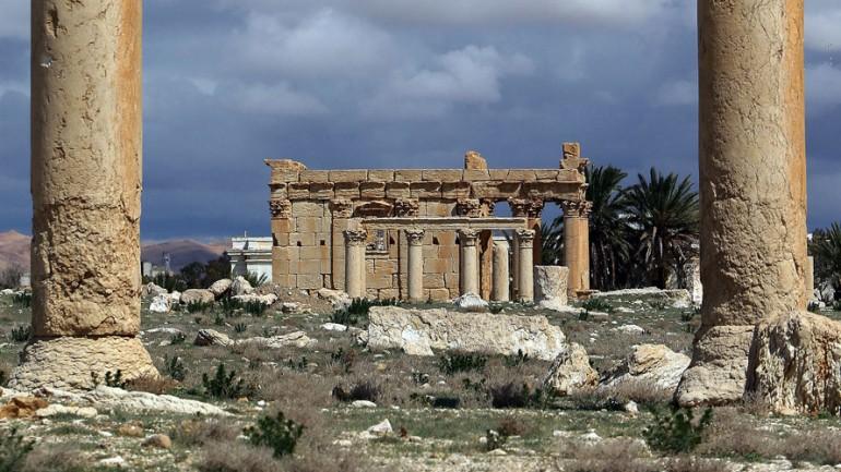 ISIS 'Demolishing' Syria's Ancient Palmyra Temple
