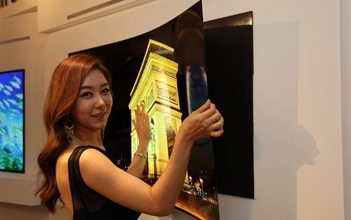 This TV Is So Thin It Might Give You A Paper Cut…. WOW