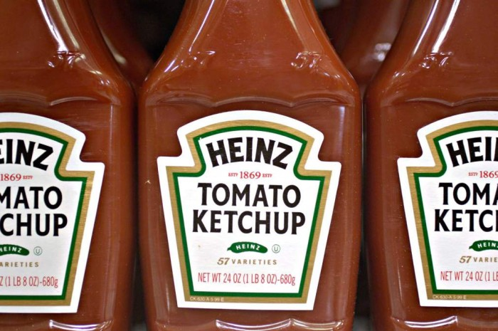 June 1, 2006--ATLANTA, GA--Heinz announces layoffs. Image of Heinz ketchup bottles on a grocery store shelf in Atlanta, GA. PHOTOGRAPHER: Chris Rank/ Bloomberg News