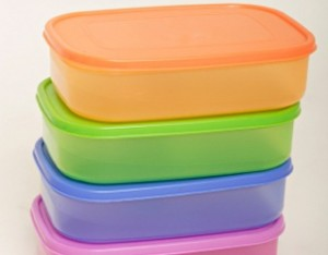 plastic-containers-300x234