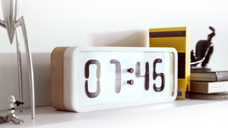This Is The World's Most Amazing Clock, It's Movement Is Completely Mesmerizing