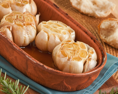Fighting Cancer And Inflammation With Roasted Garlic And Apple Cider Vinegar