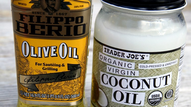 How to Choose the Healthier Oil: Olive vs. Coconut