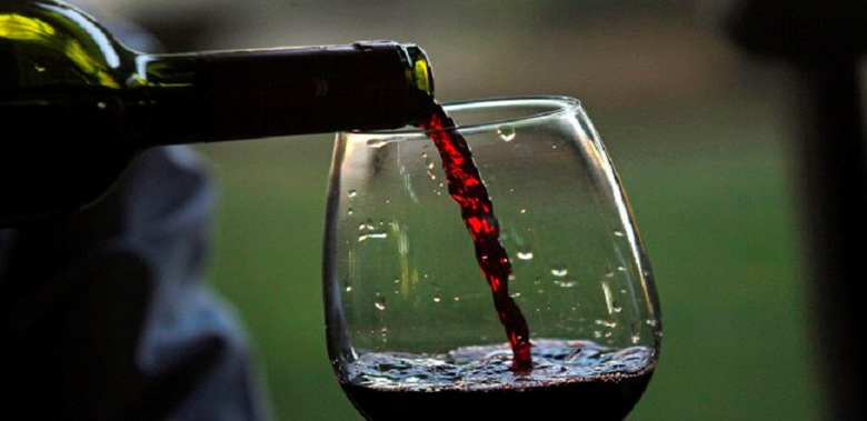 What Happens If You Drink A Glass Of Red Wine Before Bed