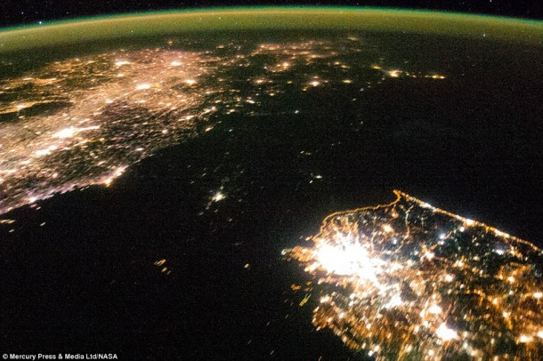 14-Of-The-Most-Amazing-International-Borders-From-Around-The-World-5-610x406