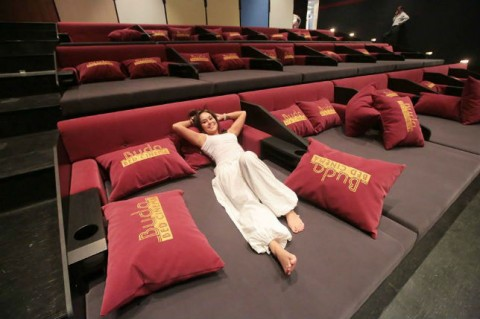 INSPIRED-BED-CINEMA-BUDA-BED-CINEMA-BUDAPEST-MEDIUM-644-480x319