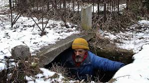 This Man Has Been Living In A Grave For The Last 15 Years