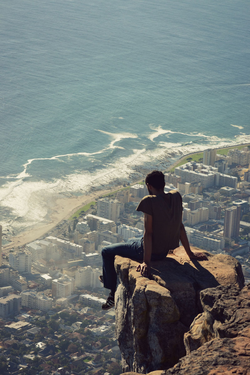 lions-head-hike-overlooking-cape-town-south-africa