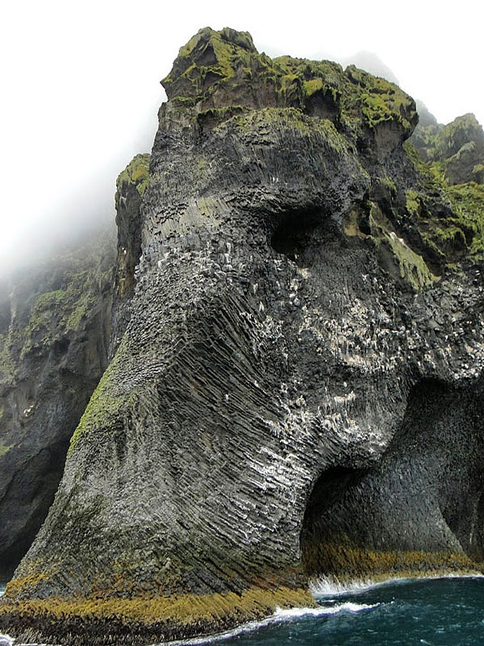 rock-formation-elephant-heimaey-iceland-21