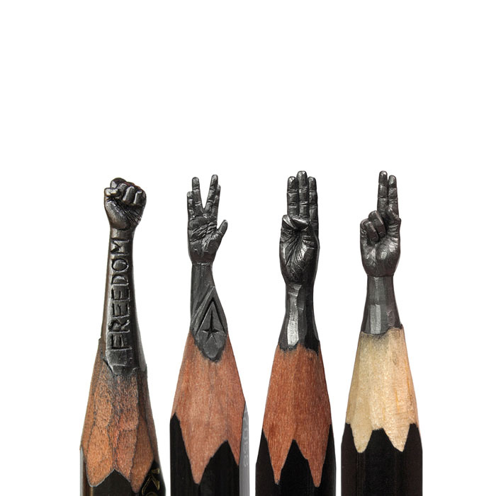 Amazing-Micro-Sculptures-Carved-From-Pencil-Tip-By-Salavat-Fidai13__700