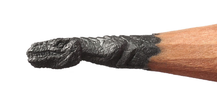 The-Best-Micro-Sculptures-Carved-From-Pencil-Tip-By-Salavat-Fidai7__700