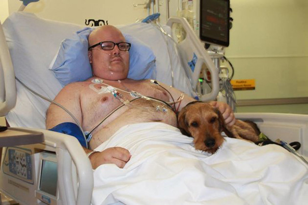 hospital-pets-allowed-animal-therapy-zacharys-paws-for-healing-juravinski-6