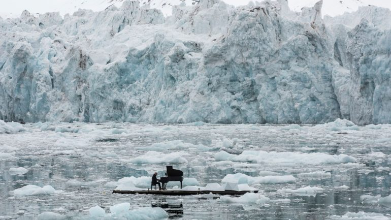 Watch A Pianist Play A Heartbreaking Song In Front Of A Melting Glasier
