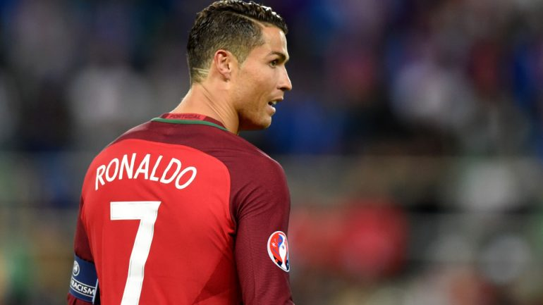 THE WHOLE WORLD IS IN TEARS: They Discovered What These 2 LINES on Cristiano Ronaldo's Head Mean