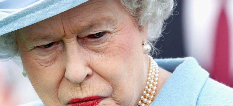 Queen Elizabeth 'Shapeshifting' On Live TV Goes Viral