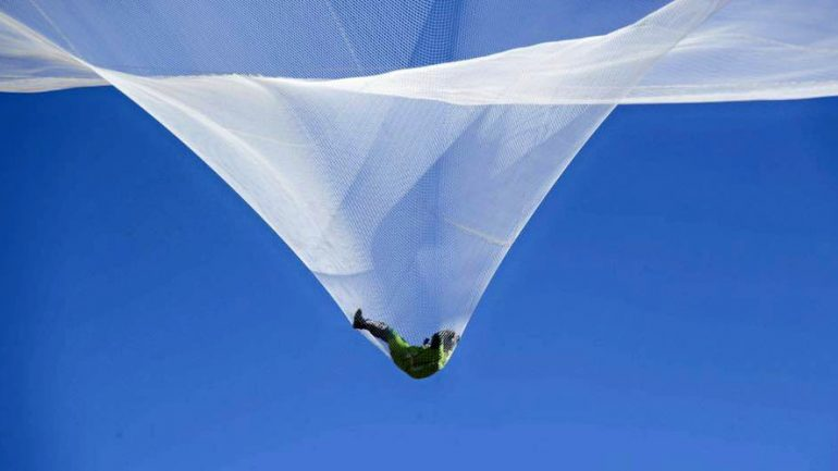 'History Made': First Ever No Parachute Jump Pulled Off by Veteran Skydiver