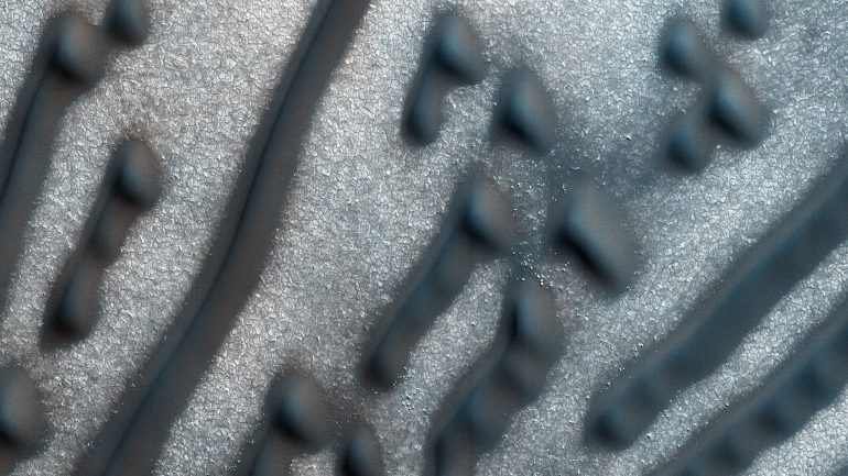 "NASA Has Found A ""Morse Code Message"" On The Surface Of Mars"