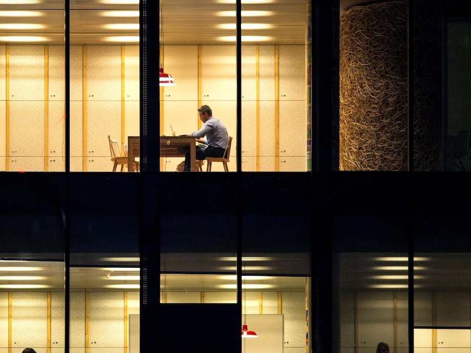offices-working-late-night