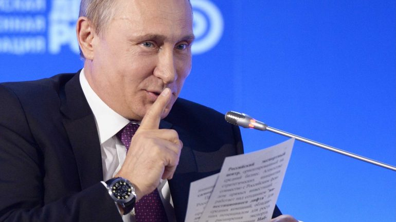 VLADIMIR PUTIN SAYS THE US ELECTIONS ARE RIGGED. IT'S NOT A DEMOCRACY