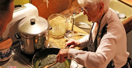 "92 Year Old Granny Is The ""Weed Queen"" Of Marijuana Cuisine"