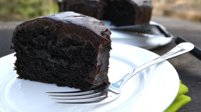 Chocolate Cake With Avocado Instead of Eggs and Butter