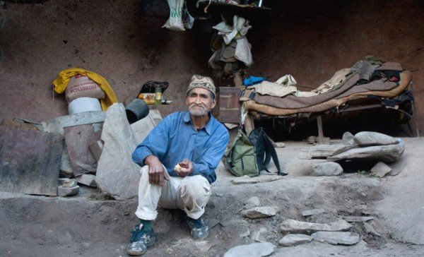Modern-Day Caveman Has Been Living in a Mountain Cave for the Last 40 Years