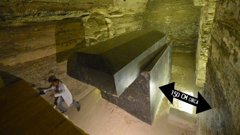 Advanced Ancient Technology Beneath Egypt: 100 Ton Stone Boxes Baffle Researchers