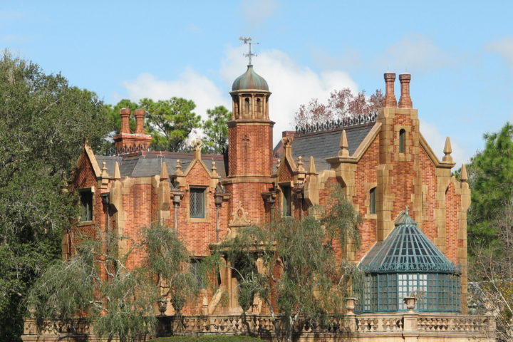the_haunted_mansion-creative-commons-720x480