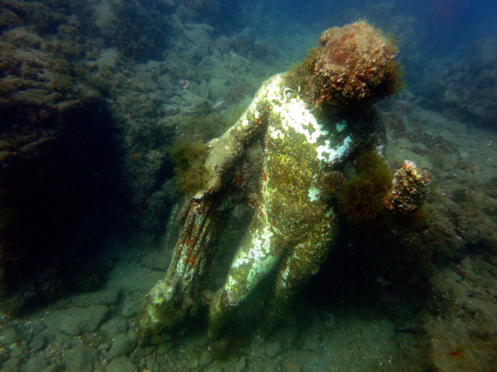 underwater-statues-at-baiae
