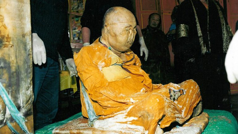 200-Years-Old Buddhist Monk Found Still Meditating in One of the Holiest Places in the WORLD