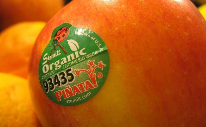 TOXIC WARNING: Fruit & Vegetable Stickers – Organic Makes Zero Difference
