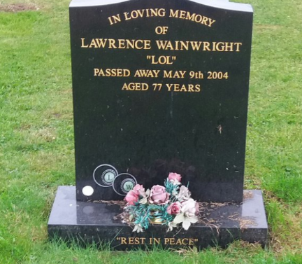Photo Of Man's Gravestone Is Going Viral, Causing Many Young People To Scratch Their Head
