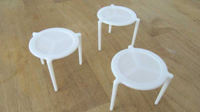 theres-an-actual-reason-why-pizzas-have-a-plastic-table-in-the-middle-and-it-makes-perfect-sense2