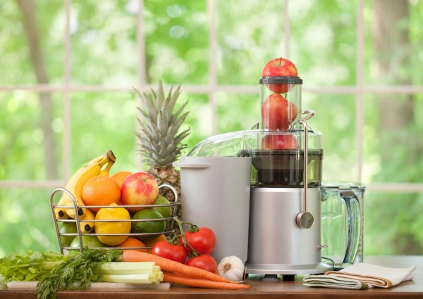 blender-juicer-fruits-vegetables-drink-smoothie-e1480498767272