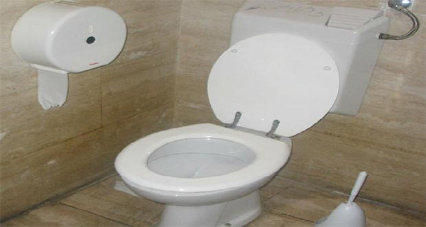 Improper Sitting on The Toilet Can Cause Colon Cancer