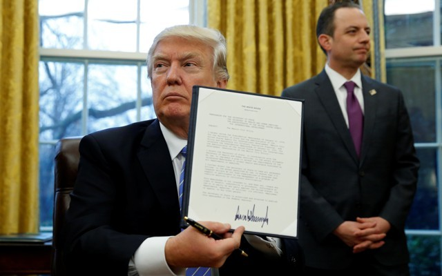 Trump Signs Executive Order Forcing Continuation of DAPL & Keystone XL