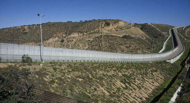 DHS Memo Orders Immediate Construction of Border Wall