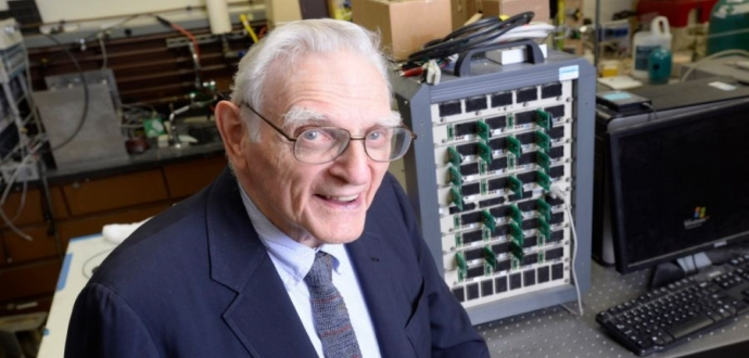 94 Year Old Inventor of Lithium-ion Battery Invents New Battery That Stores 3x More Energy and Charges 50x Faster