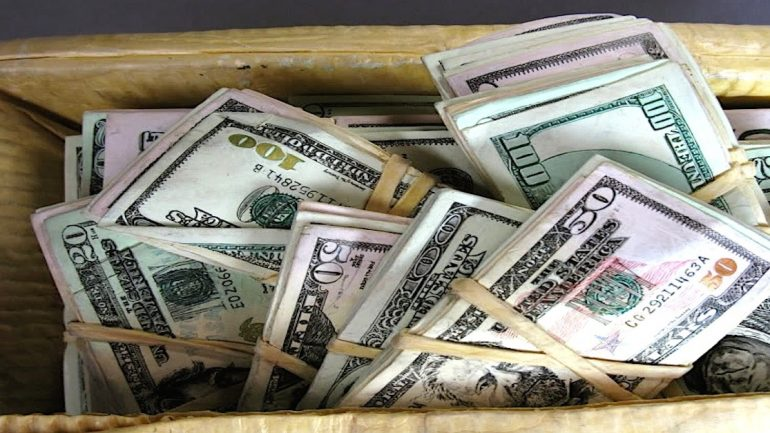 Man Found $ 95,000 That His Wife Hid For Years. Her Reason Will Shock You