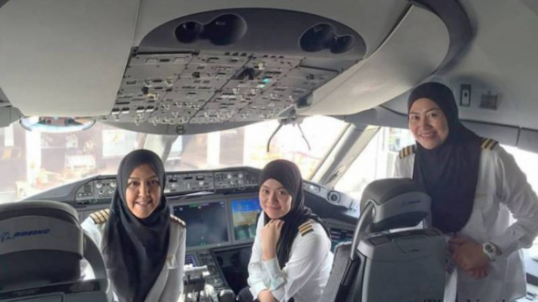 All Female Crew Lands Plane In Country They're Not Allowed To Drive In
