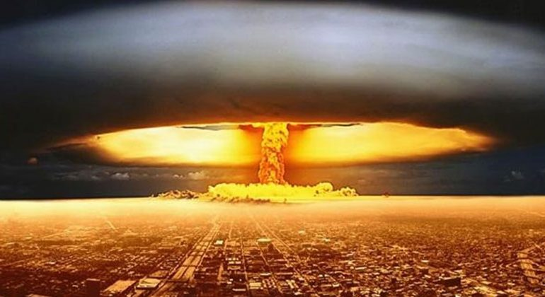"Nuclear Expert: ""Everybody Would Die"" If World War 3 Broke Out"